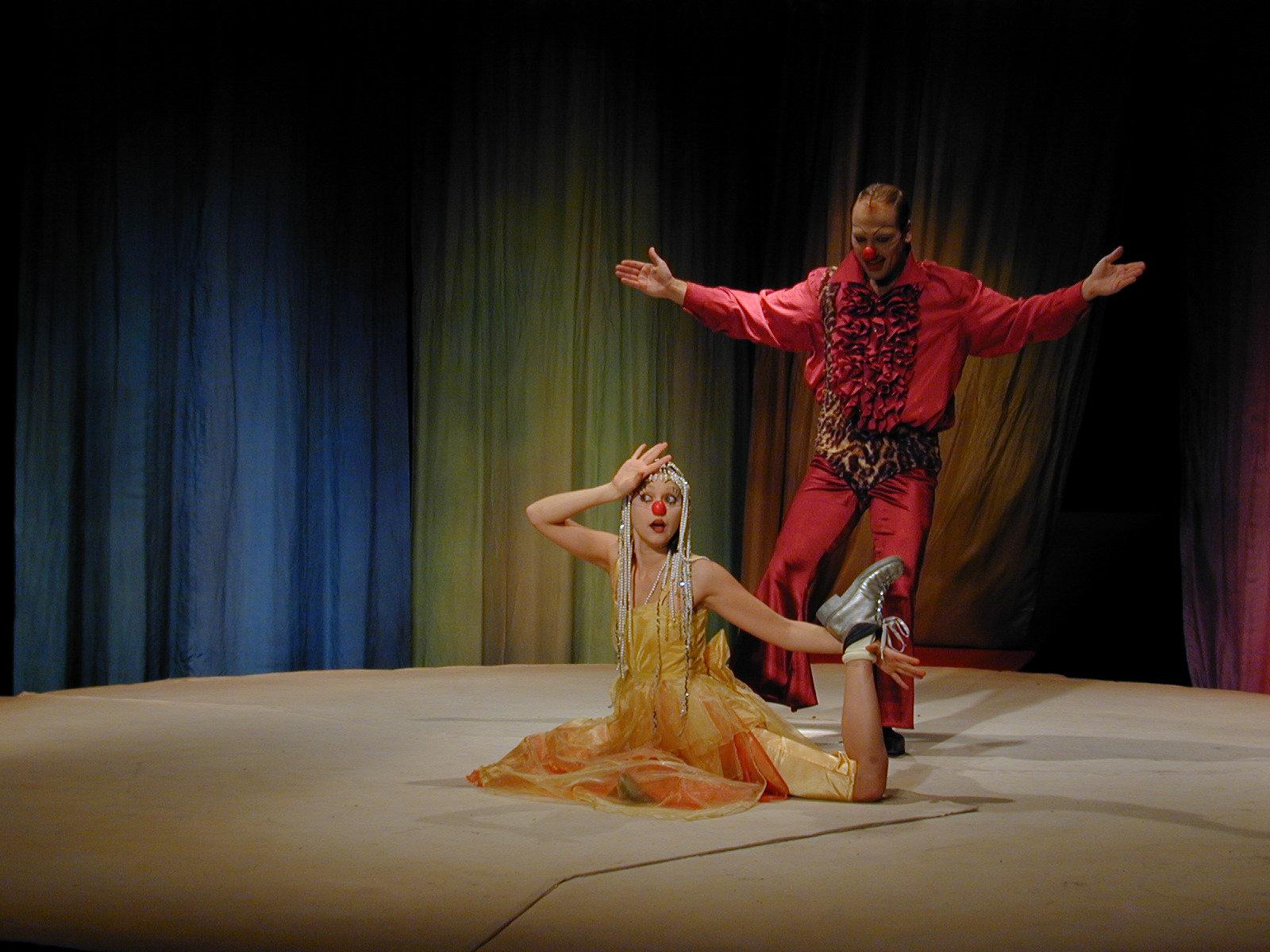 1995 // Bühnenbild und Kostüme für XYZ / Waechter / Regie: Thomas Hollaender / Piccolo Theater Cottbus