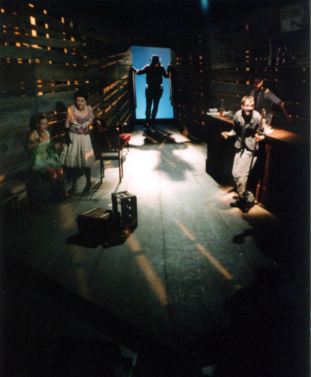 2003 // Bühnenbild und Kostüme für cowboy, cowboy / Aakeson / Regie: Andrea Gronemeyer / Schnawwl-Nationaltheater Mannheim