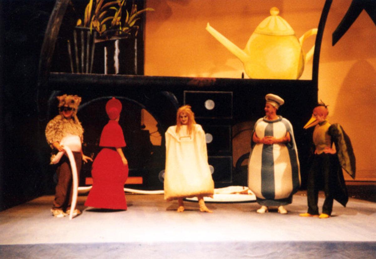 1999 // Bühnenbild und Kostüme für Der Lebkuchenmann / Wood / Regie: Matthias Messmer / Stadttheater Heidelberg